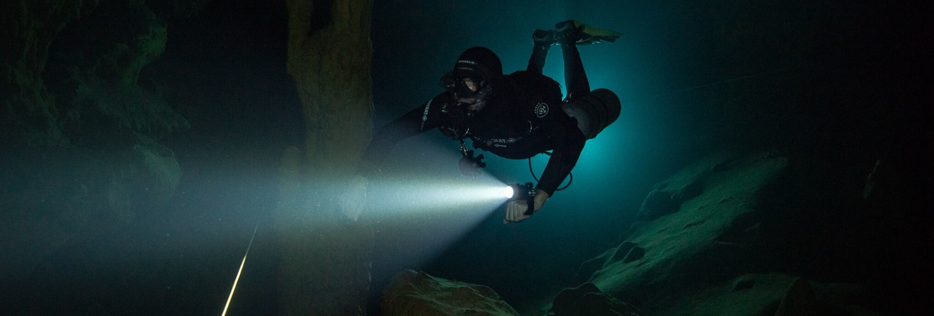 D620 CANISTER DIVE LIGHT
