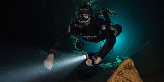 10 Scuba Diving Tips for Beginners Who Need to Know