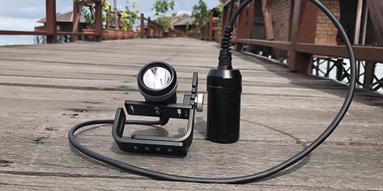 ​OracaTorch D620 Canister Dive Light Review